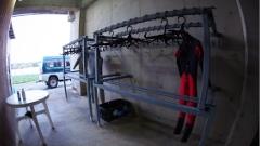 沖永良部島でダイビングの器材干し場