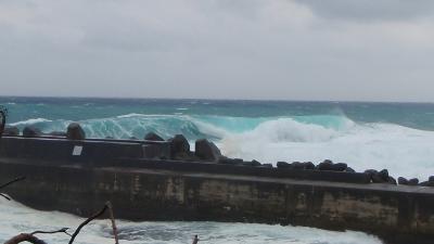 20101028-02台風のうねり