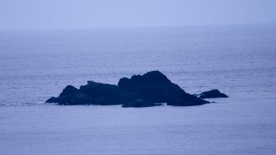 20120206-02半崎の軍艦岩